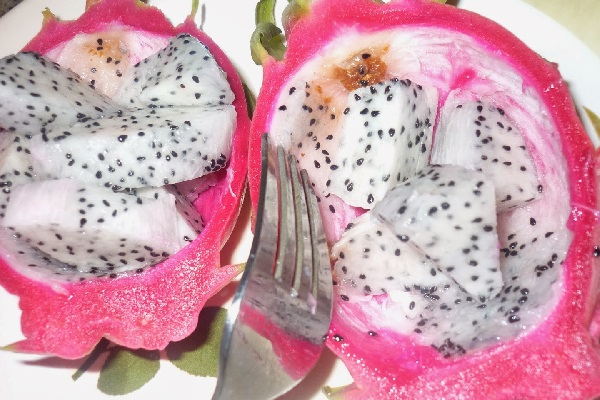 Exotic Fruit (Dragon Fruit) That Cures Lung Problems And Stabilizes Blood Sugar